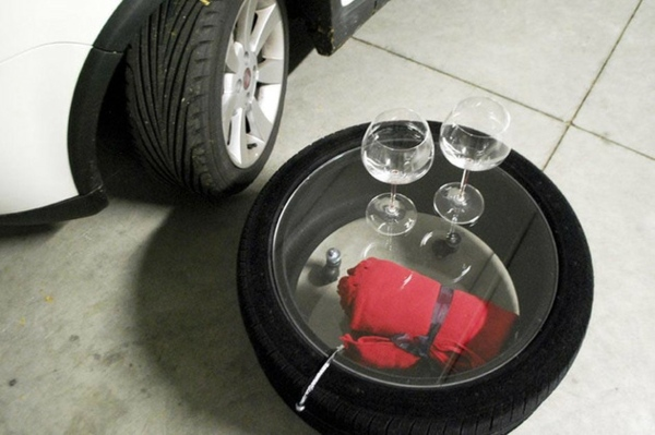 Designer coffee table by Tavomatico - how to make a stylish piece of furniture from old tires?