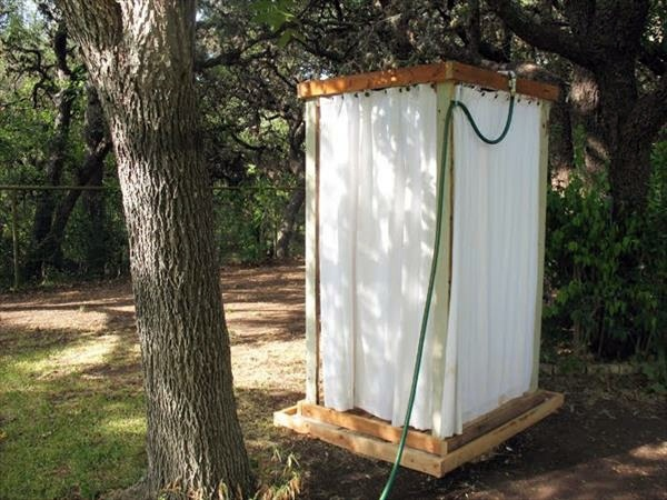Europaletten - Build shower itself - cool DIY Garden Shower from Euro pallets