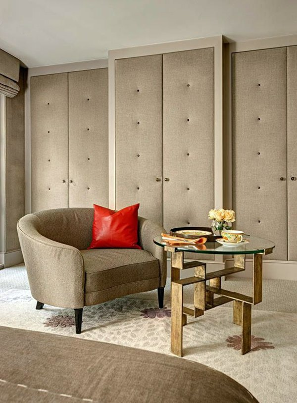 Schlafzimmer - Chooses how to right doors for wardrobes
