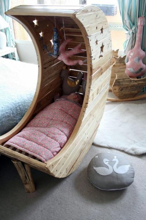 Kinderbett - Moon cot from Euro pallets