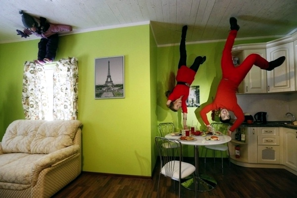 Upside Down House in Russia - amazing sight