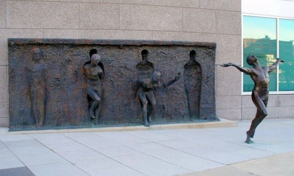100 Famous works of art - creative sculptures and statues world