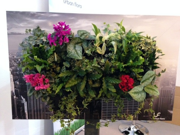 Wall decoration with plants - Live Picture refreshes the air and ambience