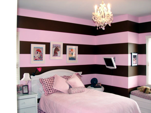Color Combination In The Girls Room With Pink And Brown