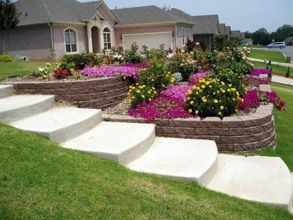 Garten & Pflanzen - Landscaping on a slope - How to make a beautiful hillside garden
