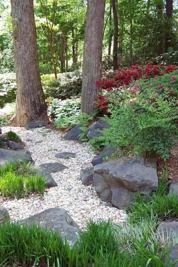 Gartengestaltung - Landscaping on a slope - How to make a beautiful hillside garden