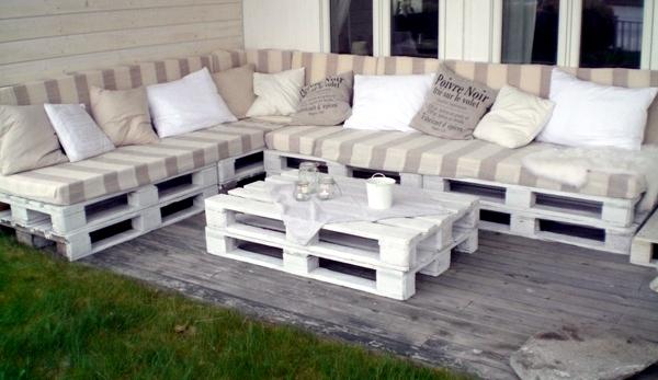 DIY Möbel - Sofa from pallets integrate - DIY furniture is practical and original