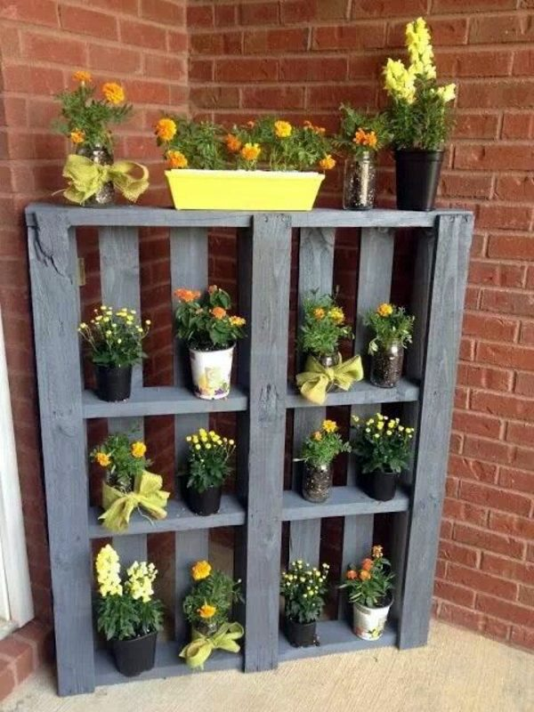 DIY - Do it yourself - Creating a vertical garden and flower - DIY from Euro pallets