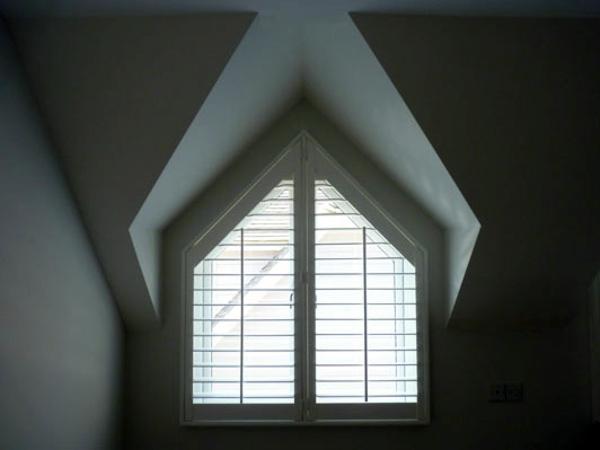 Triangular Windows Darken Window Blinds Or Window Films