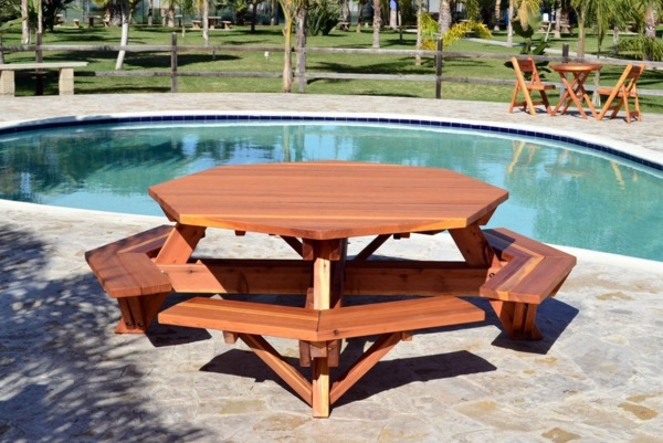 Dining table with bench in Euro pallets – practical dining ...