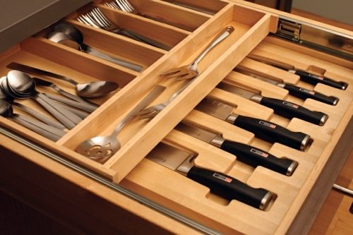 Knife Block for Kitchen Knives - Arrange your knife set with style on!