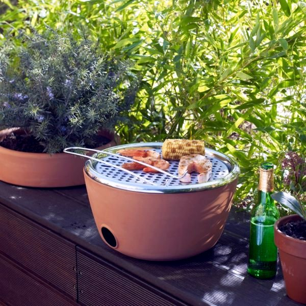 The best barbecue for your balcony - your barbecue and herb pot in one (plus video)