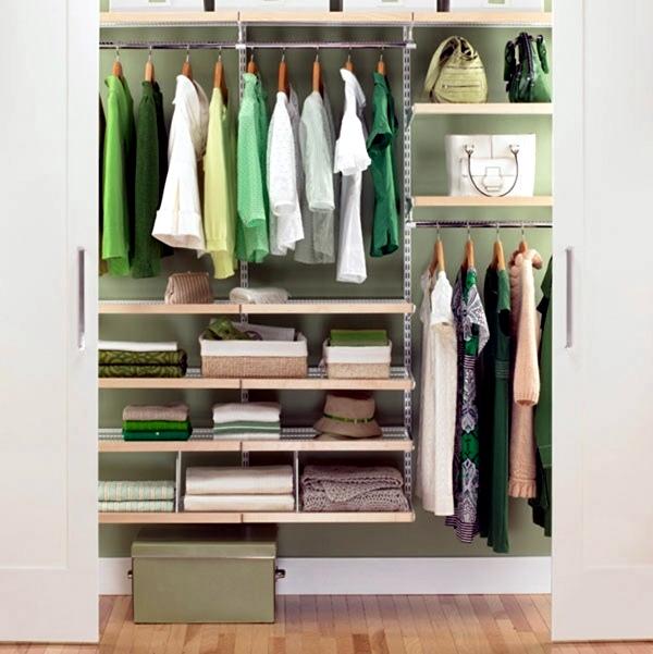 Möbel - Modern, massive wardrobe in the bedroom - choose the best wardrobe