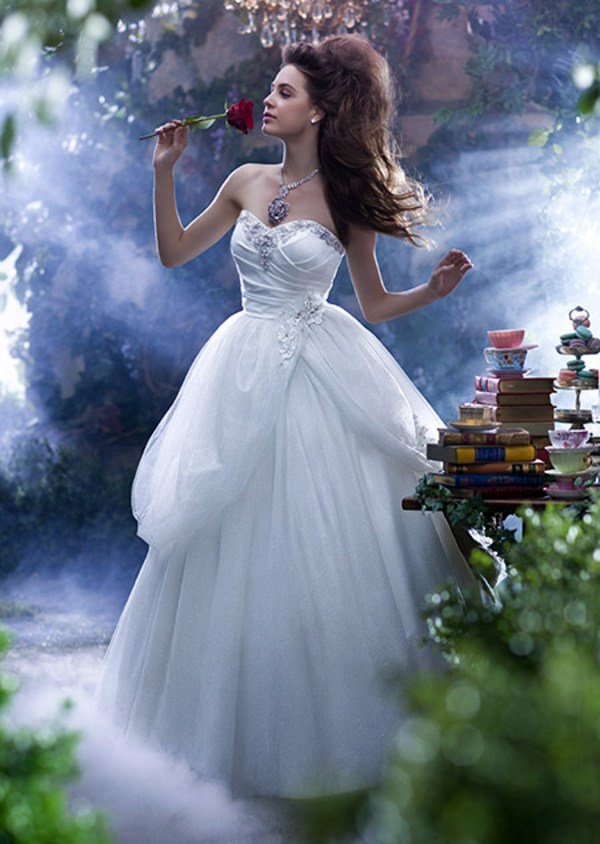 The most beautiful wedding dresses inspired by Disney ...