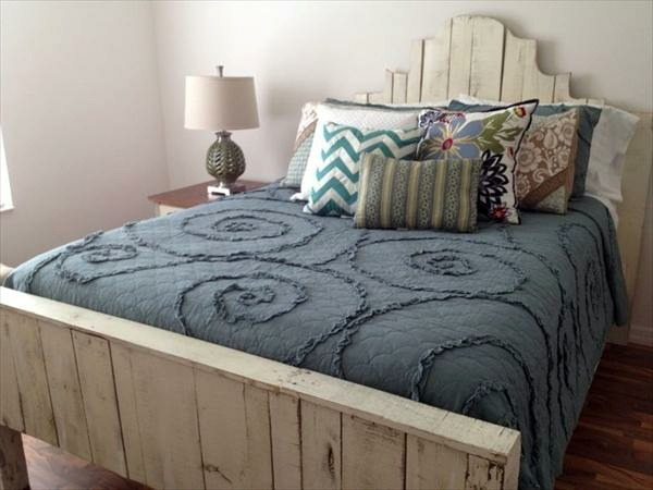 Bastelideen - Build bed frames themselves - DIY bed frame from Euro pallets