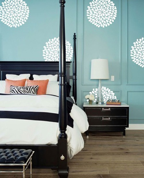 Enjoy the moment: 10 fun ideas for cool removable wall decoration