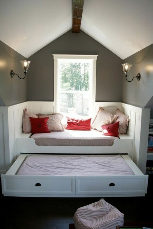 The pull-out bed - stay smart and space saving