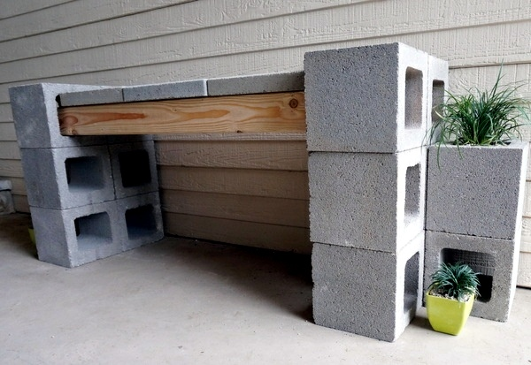 Articles of concrete stone for the front area