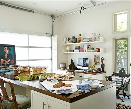 ideas to make a garage a family room - Remodel the garage so that you can turn this into a hobby