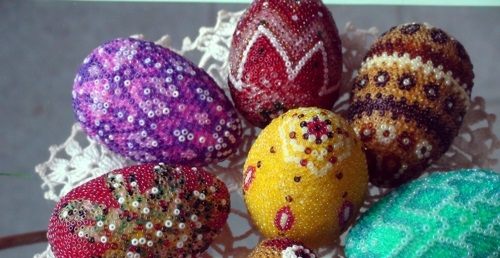 Bastelideen - Easter eggs decorated with beads - tinker Osterdeko itself