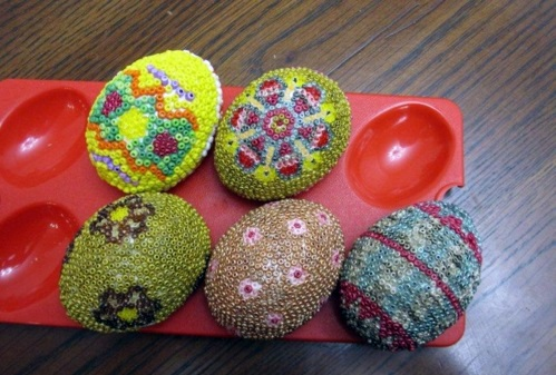 Osterdeko - Easter eggs decorated with beads - tinker Osterdeko itself