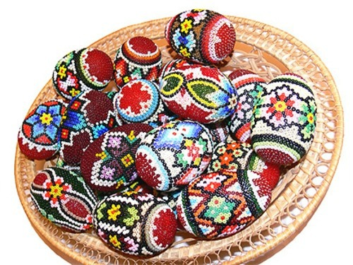 Ostern - Easter eggs decorated with beads - tinker Osterdeko itself