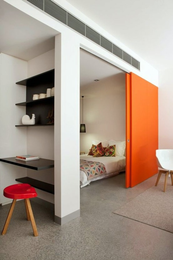 Sliding doors as room dividers - more privacy in the small apartment