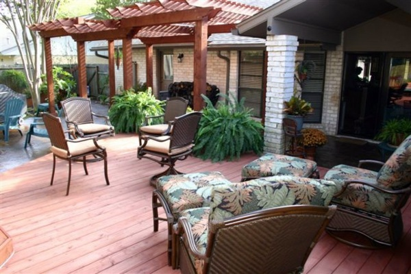 Amazing and cool design in the backyard - garden design in eclectic style