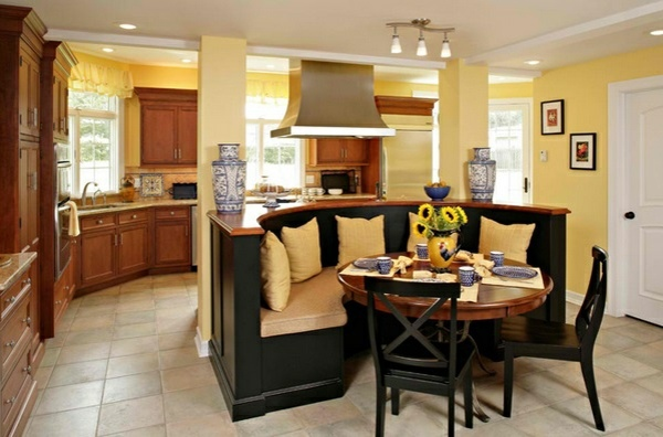 Make Cozy Dining Area Table With Chairs In The Kitchen