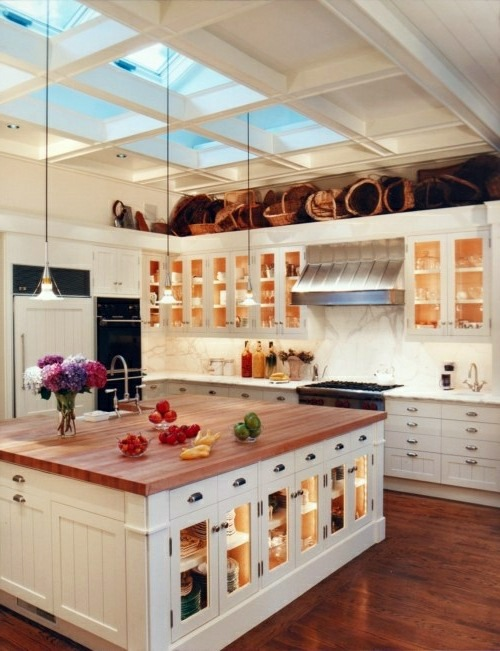 China Cabinet And Glass Display Case For A Bright Kitchen Interior Design Ideas Avso Org