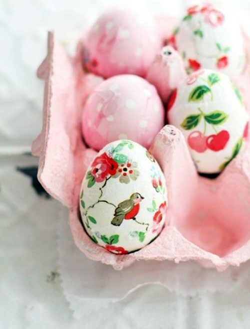 Bastelideen - Make Easter eggs with decoupage
